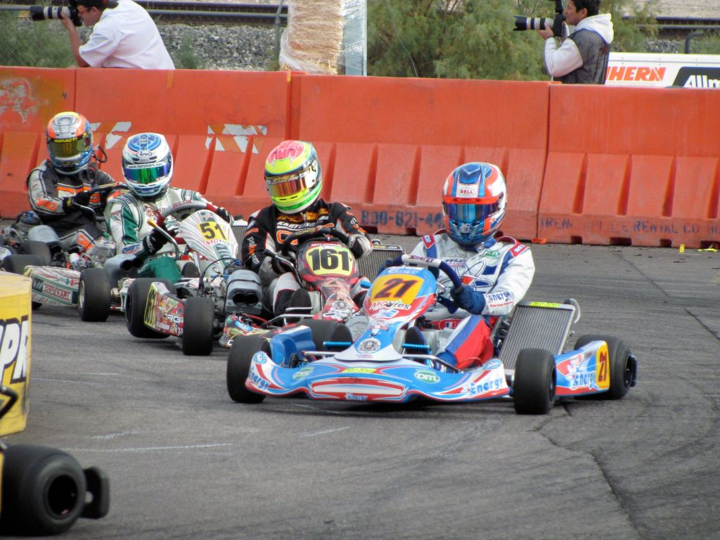 KZ2 drivers fight it out at the 2009 Supernats